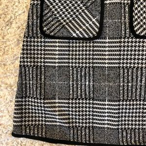 Skirts - Plaid/ houndstooth skirt